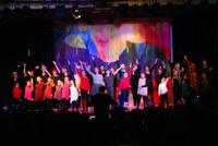 Aufführung der Kinderoper Brundibár in der Aula des Marie-Curie-Gymnasiums