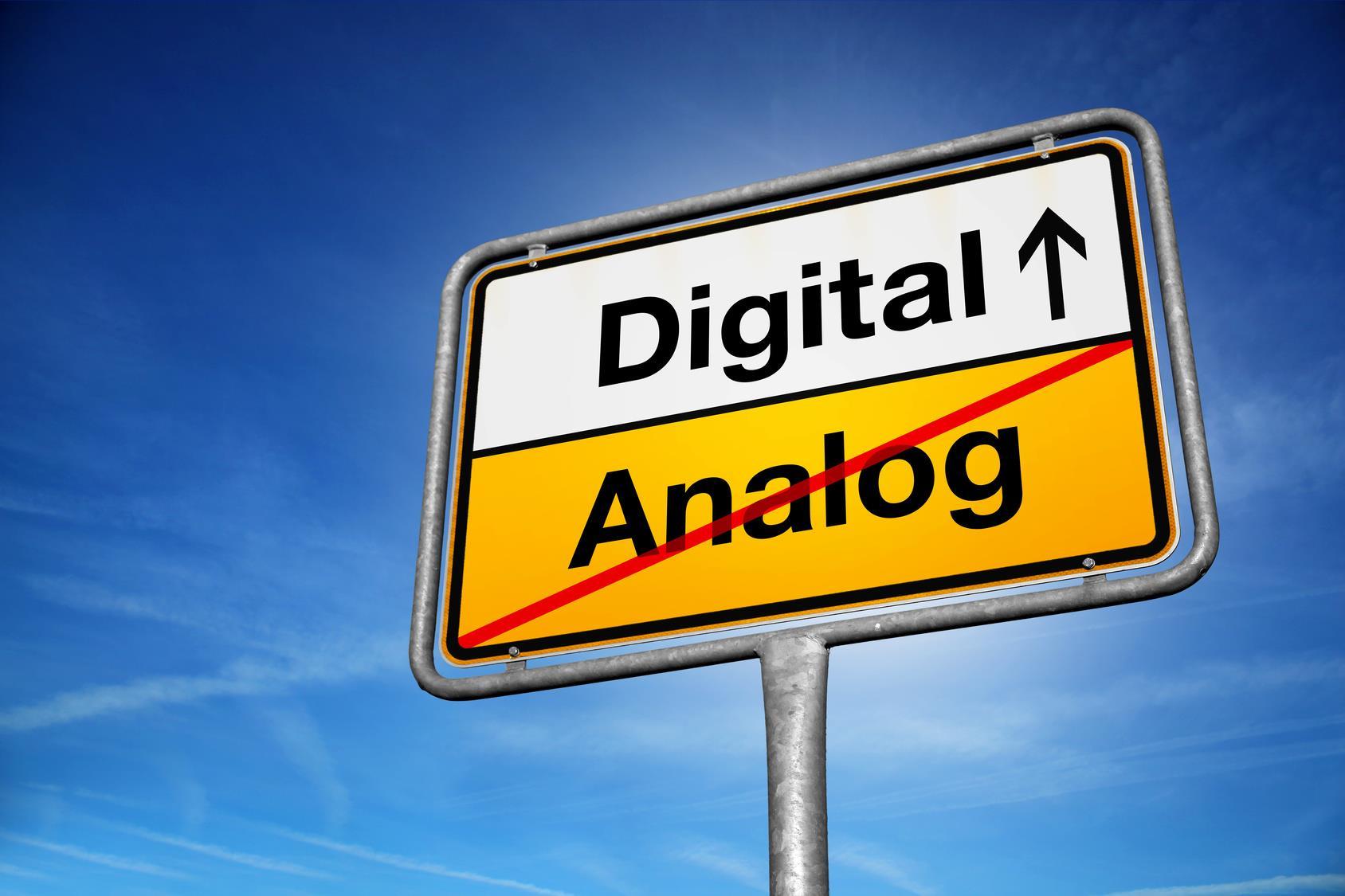 """Digitalisierung gestalten - Einladung zum Workshop-Forum """"Arbeit 4.0"""" am Samstag, 17. November, von 10 bis 15 Uhr im Max-Born-Berufskolleg"""