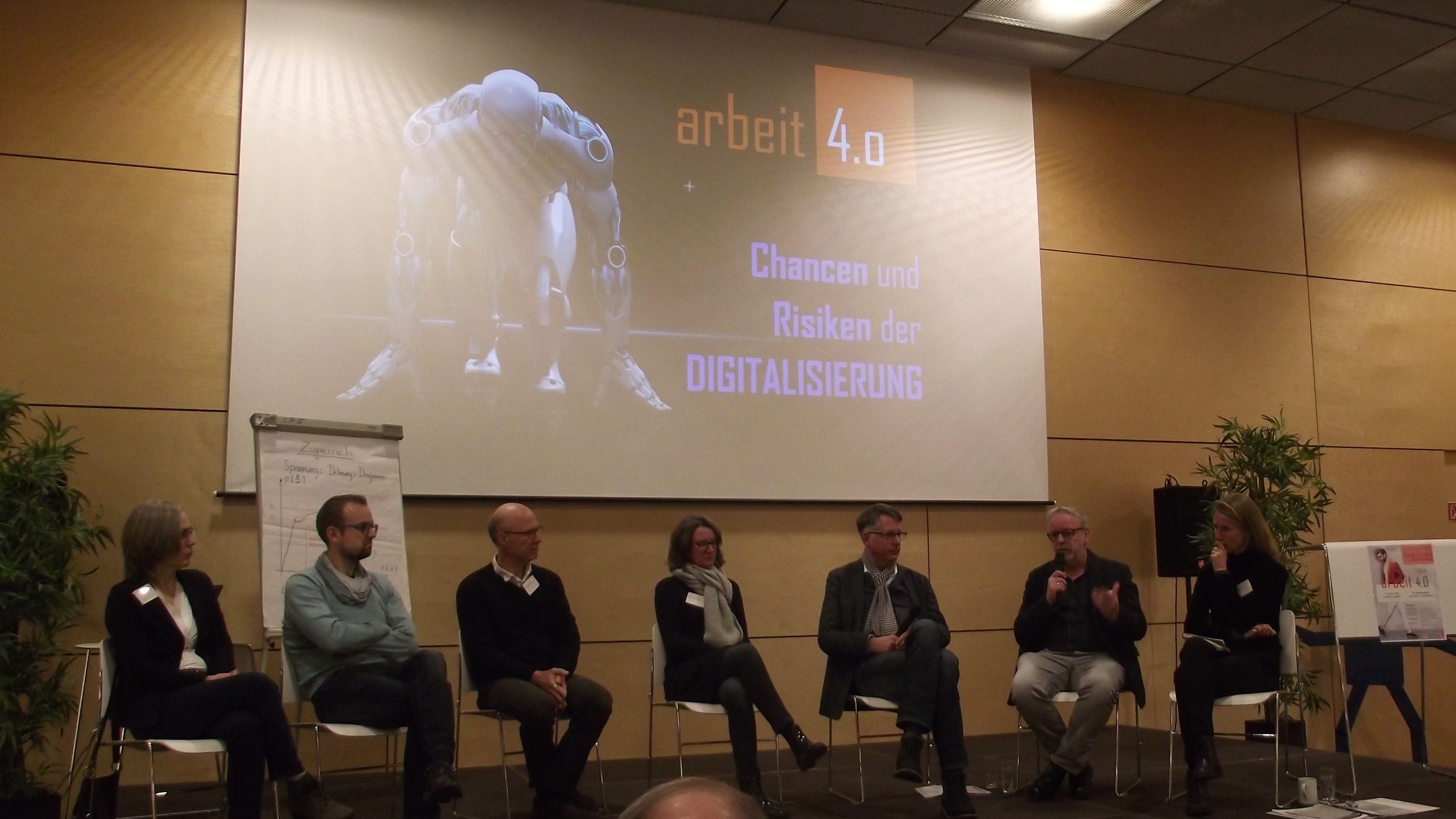 """Experten meinen: """"Chancen und Risiken der Digitalisierung halten sich die Waage"""""""